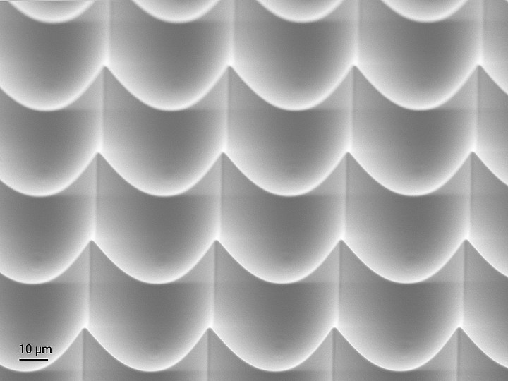 Concave microlens array